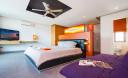 Превью - Стильная современная вилла с 3-мя спальнями и бассейном с эффектом бесконечности в бухте Чалонг  CHL0006