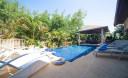 Превью - Роскошная вилла с 4 спальнями и обслуживающим персоналом возле пляжа Наи Харн NH0125