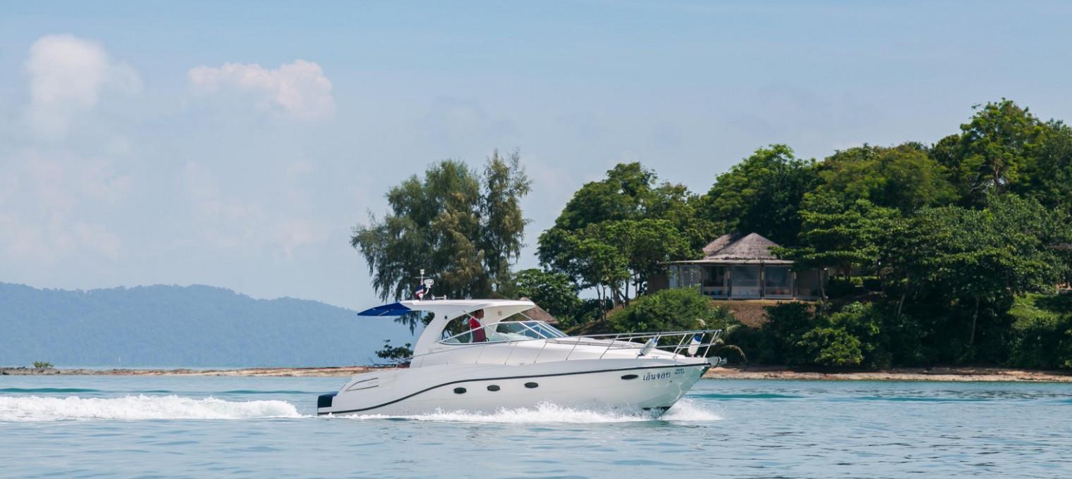 Шикарная спортивная яхта
