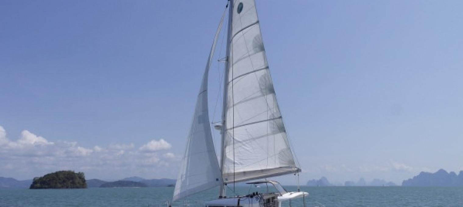 Круизный катамаран Lagoon 400 S2
