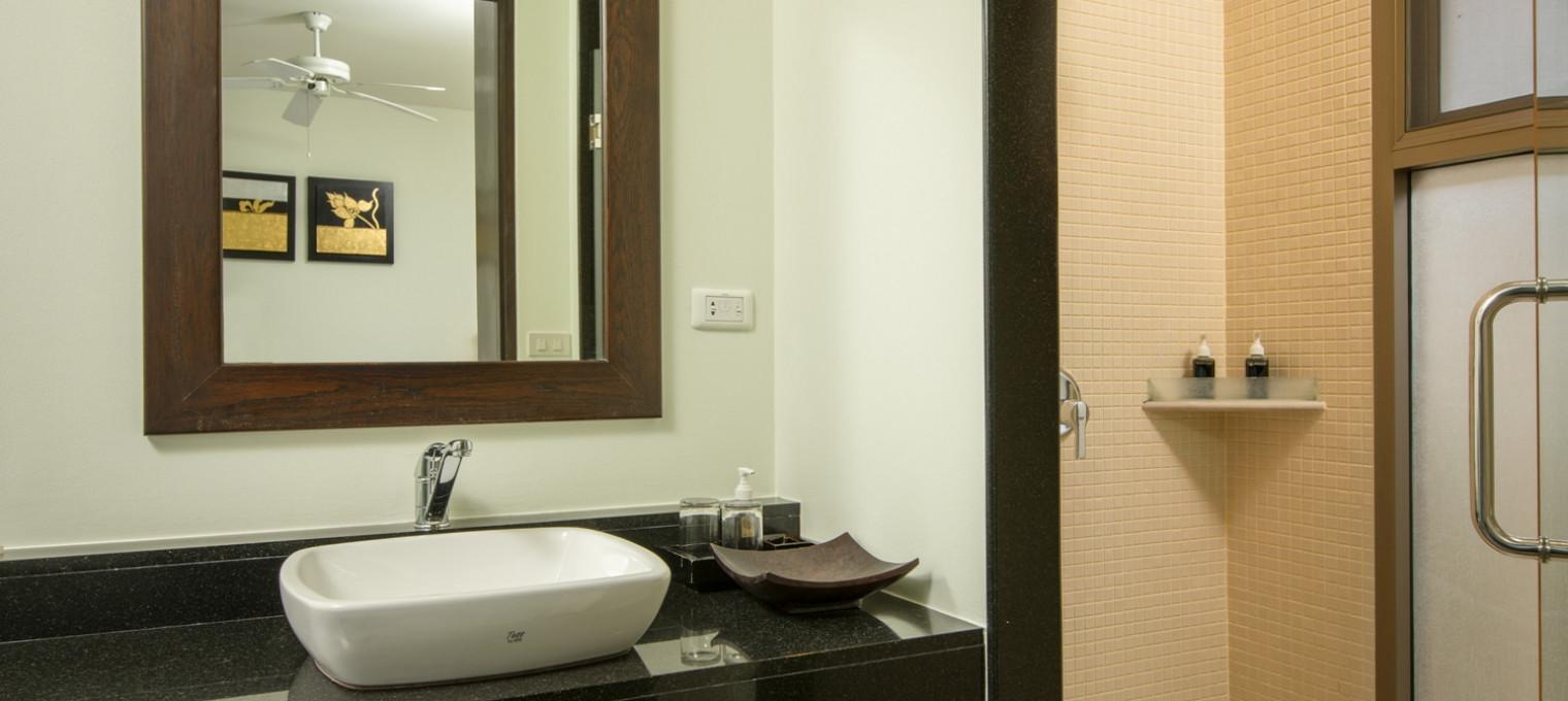 Просторная Villa Adonara на Пхукете с 3 спальнями NH0045