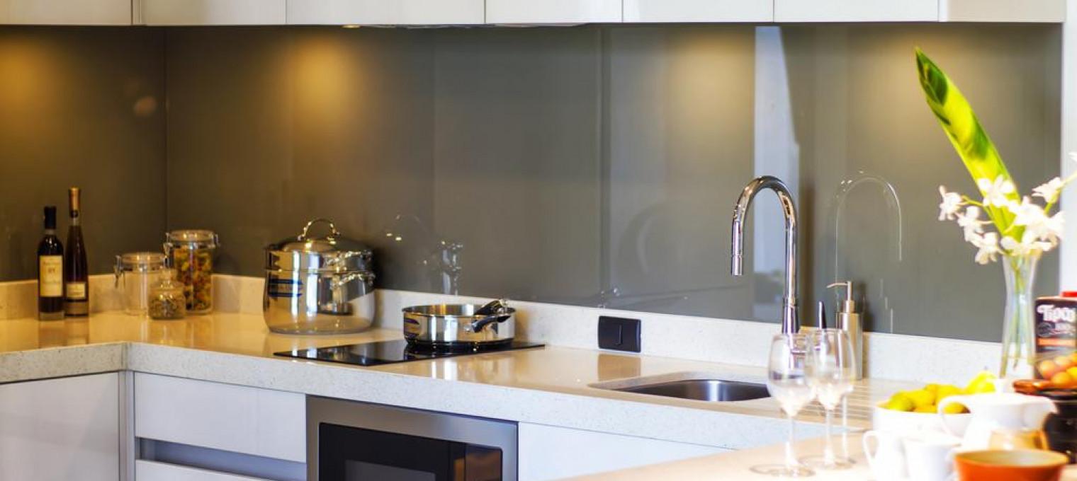Полностью обставленные двуспальные апартаменты в Лагуне LG0009