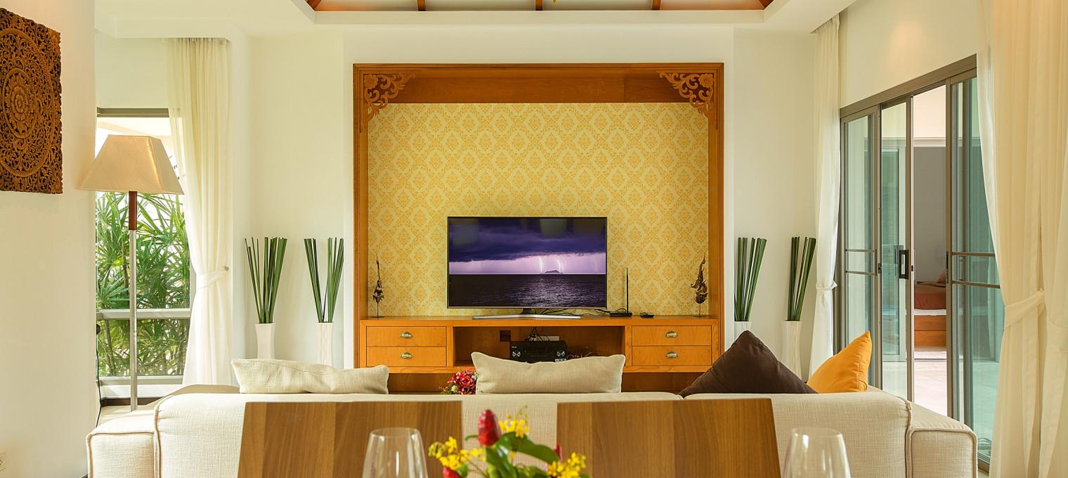 Villa Bond с 3 спальнями и бассейном NH0088