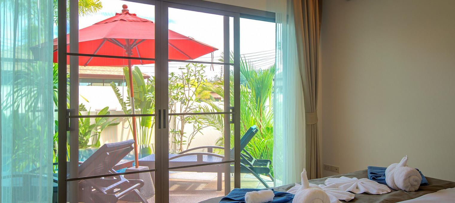 Величественнная вилла Maluku с 3 спальнями на Пхукете NH0094
