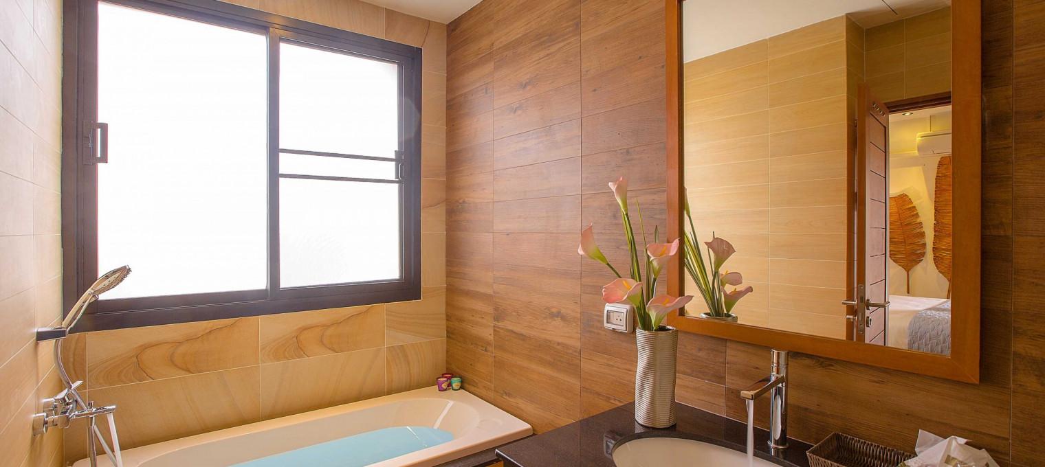 6-спальная вилла люкс с бассейном на пляже Раваи RW0074