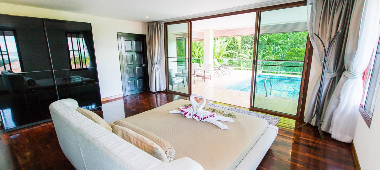 Потрясающая 5-спальная вилла с видом на море CHL0003