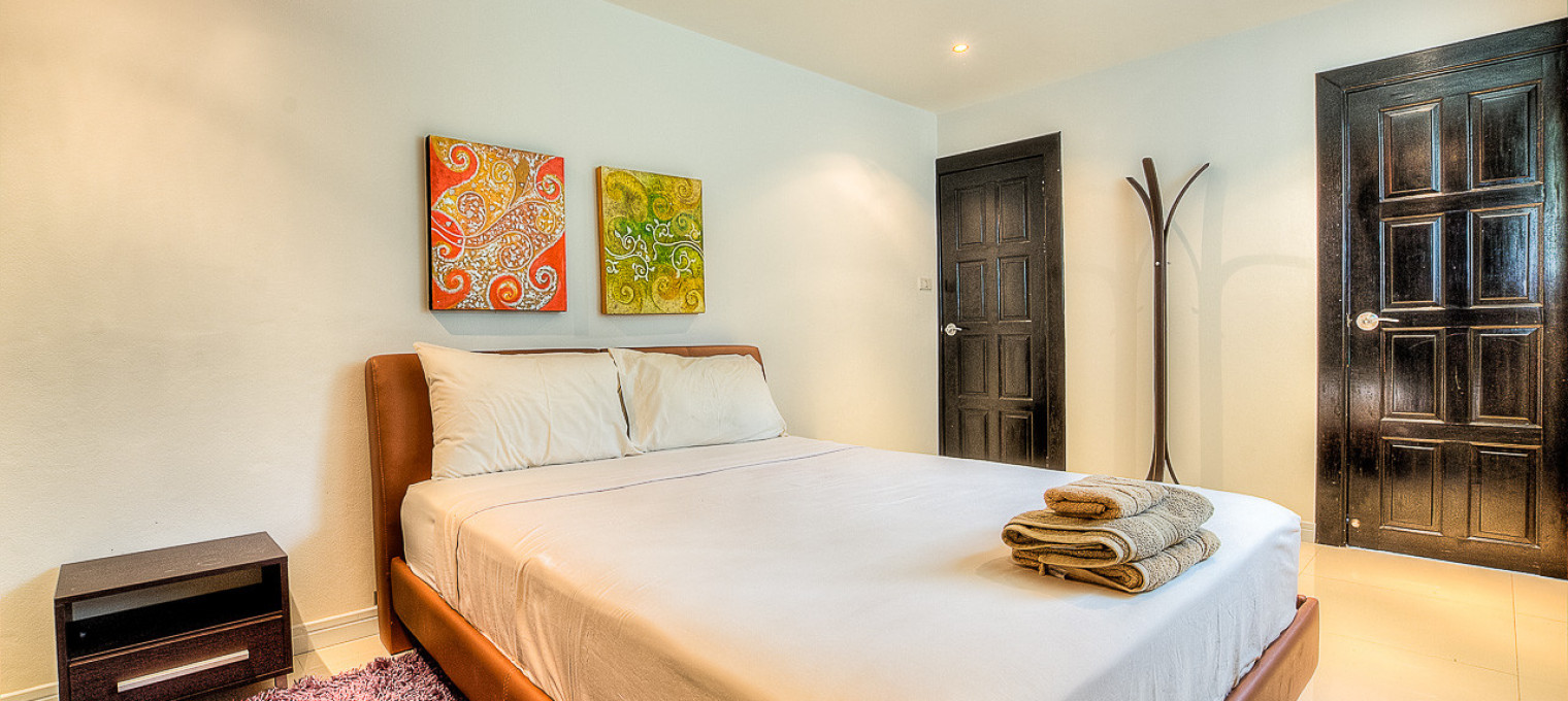 Двухэтажная  5-спальная вилла  с видом на море  CHL0005