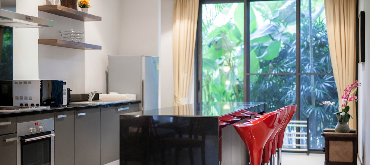 Двуспальные апартаменты с садом на пляже Банг Тао BT0016