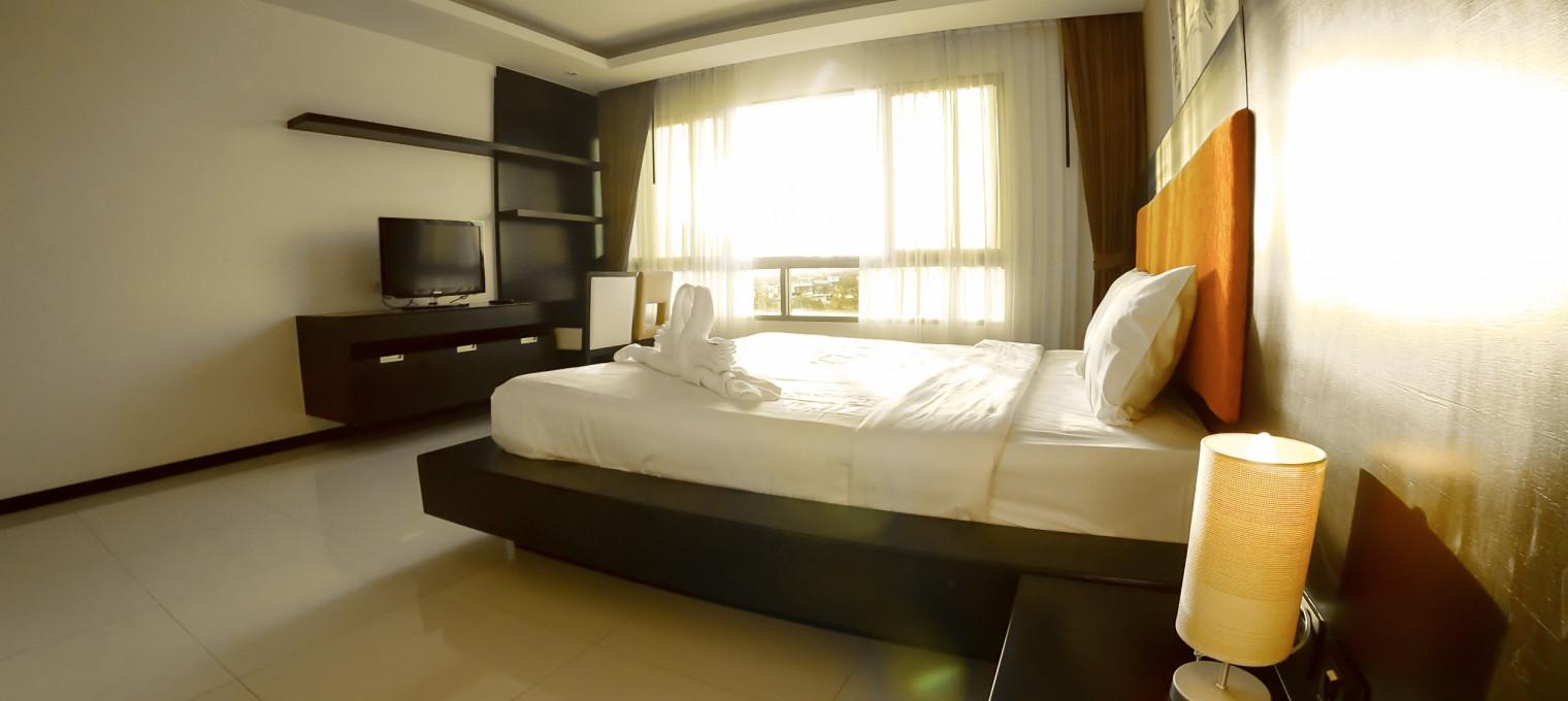 Двуспальные апартаменты  на пляже Камала KМ0003