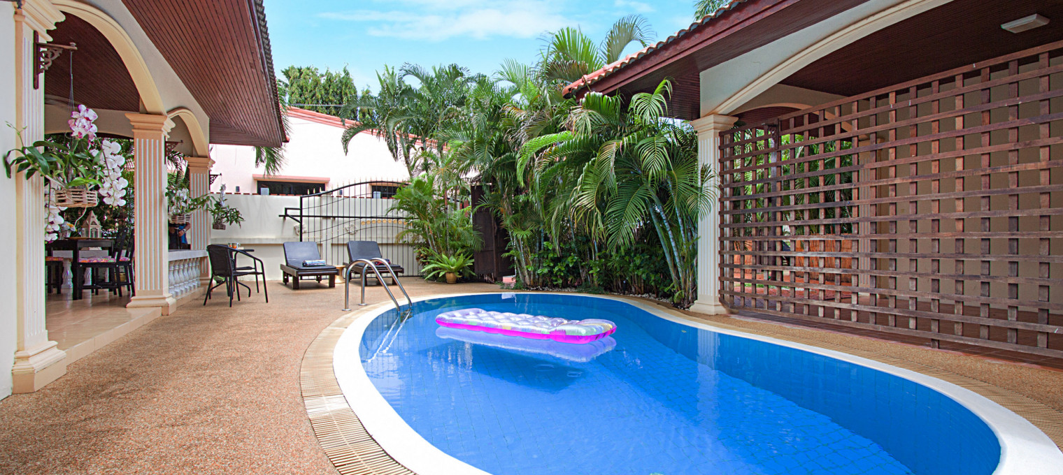 Потрясающая вилла в азиатском стиле, с 2-мя спальнями, собственным бассейном и большим садом RW0096