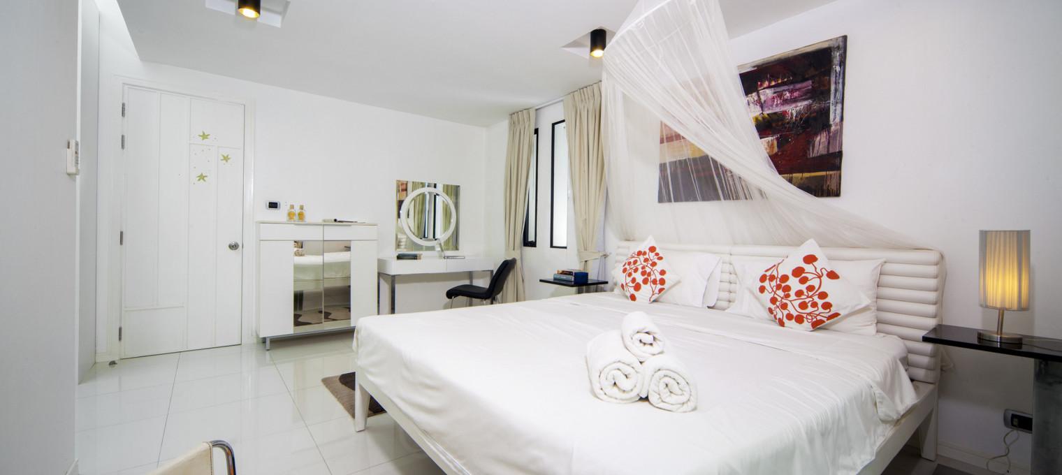 Вилла с 3 спальнями в охраняемом поселке возле пляжа Камала KM0005