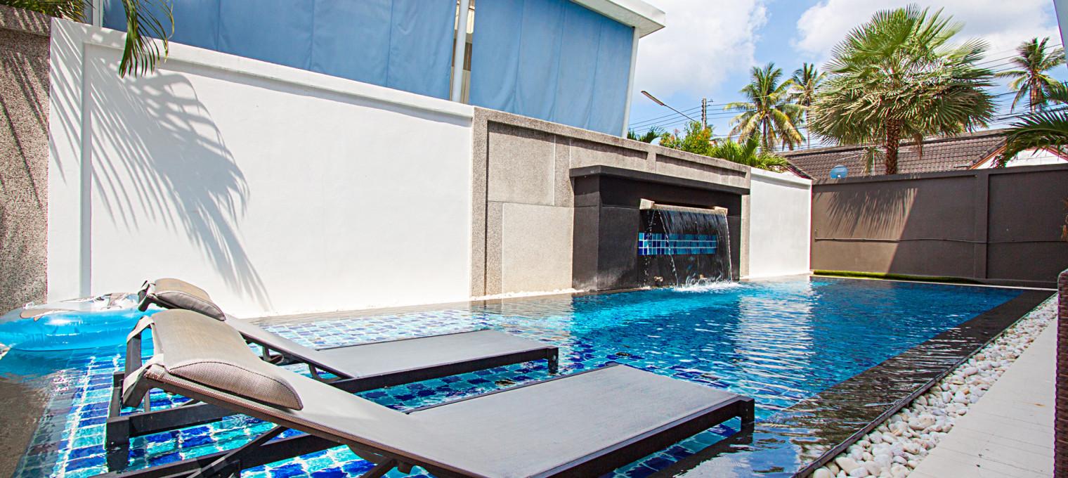 Стильная современная вилла с 3-мя спальнями и бассейном с эффектом бесконечности в бухте Чалонг  CHL0006