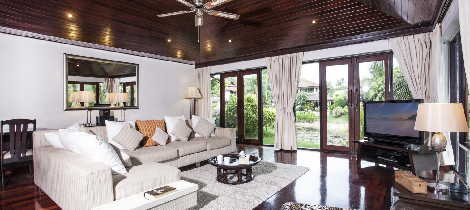 Роскошная тропическая вилла с 4-мя спальнями и собственным бассейном возле пляжа Сурин SR0002