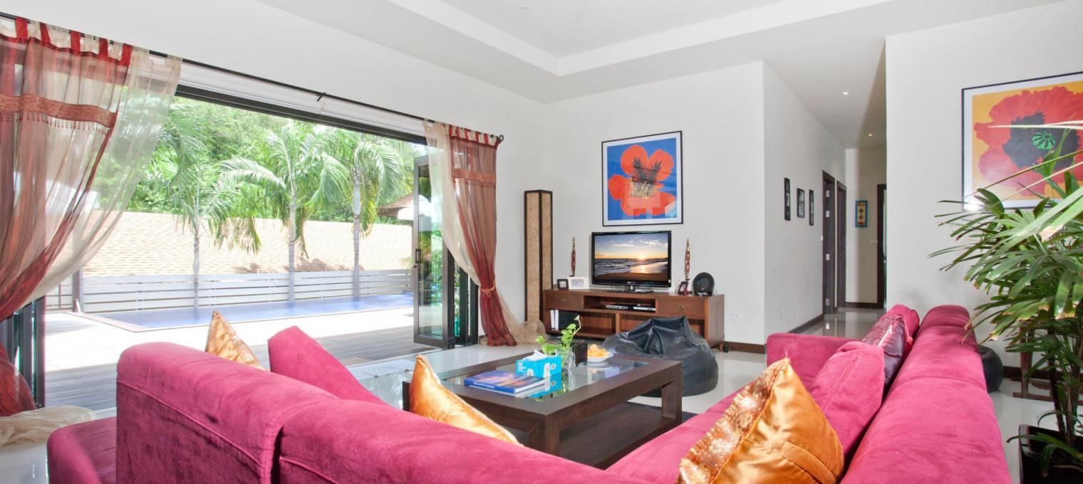 Прекрасная стильная вилла с пятью спальнями с большим бассейном NH0122