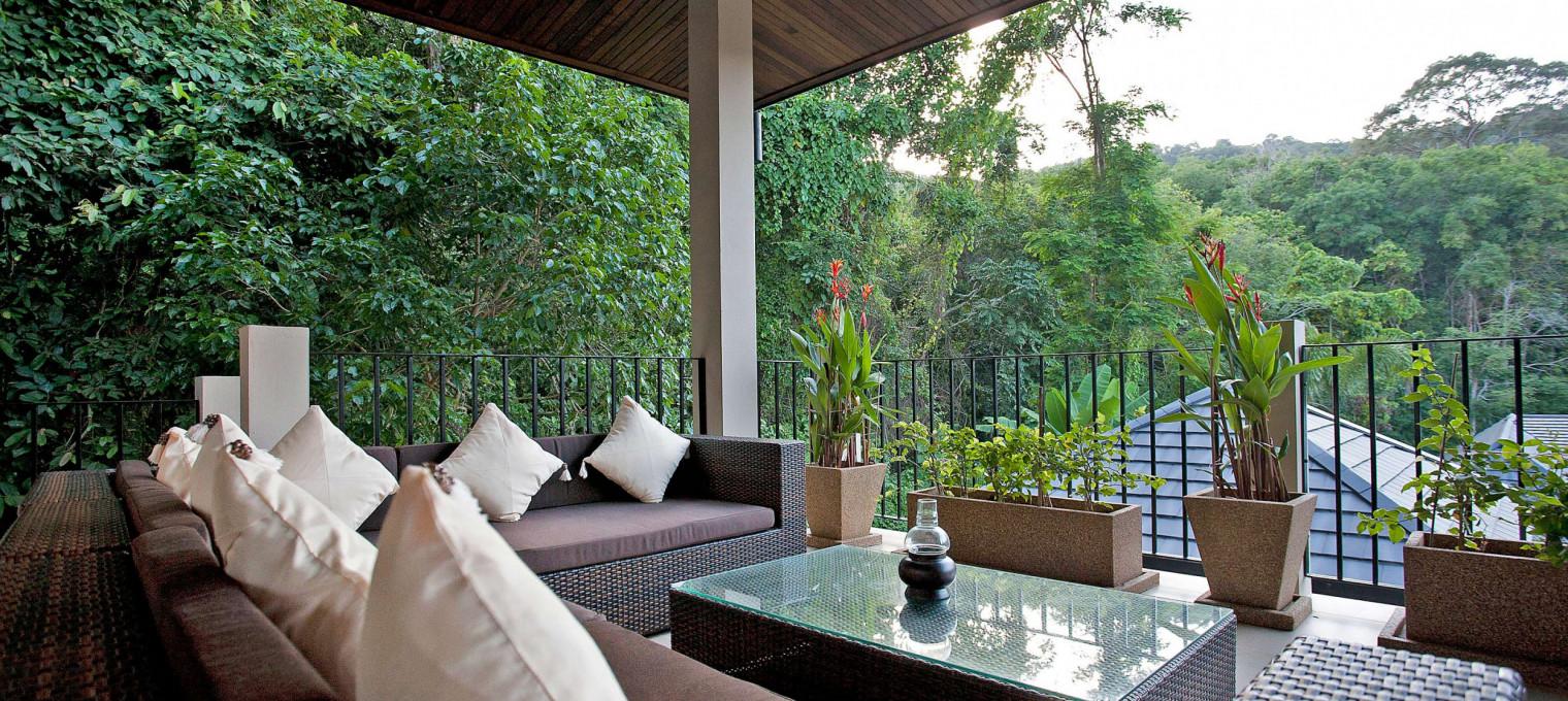 Вилла с 6 спальнями и красивой обеденной зоной у бассейна NH0131